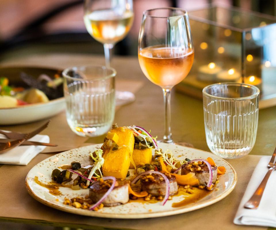 -blotti-restaurant-rouen-15-intérieur-table-960×800